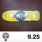 DOGTOWN【ドッグタウン】スケボーデッキ MID SIZE CRISIS RED DOG (Yellow) 9.25 x 32.75